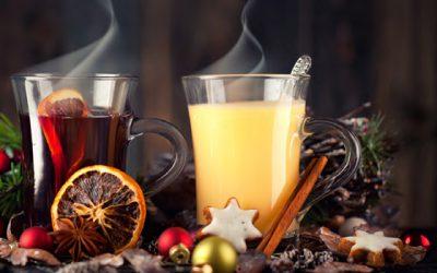 Beliebte Dauerbrenner zur kalten Jahreszeit: Glühwein, Punsch und andere winterliche Getränke